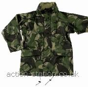 Waterproof, windproof and breathable camouflage jacket designed to keep you dry and comfortable. • Fortex 5000 breathable fabric-• Three layer bonded construction-• Waterproof, windproof & breathable-• Velcro® twin storm flap covered zip front-• Two large front pockets & concealed hood-• Cuff & waist adjusters-
